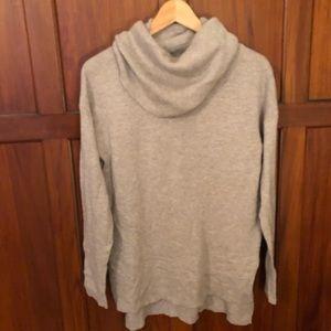 Gap camel sweater